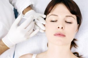 Injections d'acide hyaluronique (produits de comblement ou fillers)