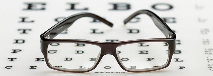 lunettes et lentilles de contact : une correction efficace mais contraignante de la presbytie