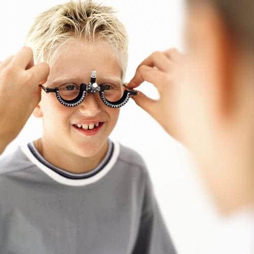 La vision des enfants : quand réaliser un test de vision chez votre enfant?
