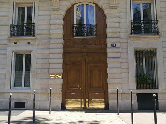 Le Dr Patrick Loriaut, consulte au Centre Ophtalmologique Ternes-Monceau (Paris 17ème)